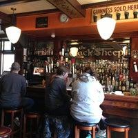 Das Foto wurde bei The Black Sheep Pub & Restaurant von 🤖 am 2/18/2013 aufgenommen