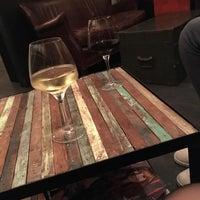 Photo taken at 25/50 Wine Latitude by Mégane P. on 11/4/2017