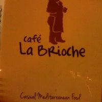 Foto tomada en La Brioche Cafe por Rosana H. el 9/28/2012