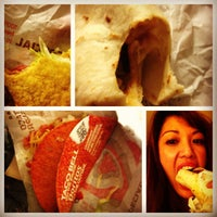 Photo taken at Taco Bell by angelita f. on 9/16/2012
