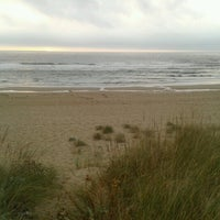 Photo taken at Praia Mar de fóra by ChicaVudu on 10/13/2013