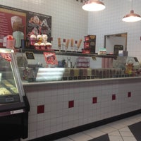 Photo taken at Cold Stone Creamery by Richard B. on 1/20/2014