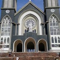 Photo taken at Nhà thờ Chánh toà Phú Cường by Hiep N. on 12/1/2013