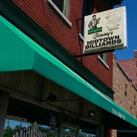 Photo taken at Midtown Billiards by Dive Bar S. on 11/22/2013