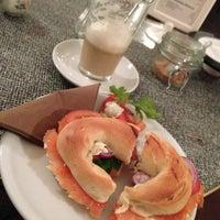 2/5/2013 tarihinde Detlef R.ziyaretçi tarafından Café Jule'de çekilen fotoğraf