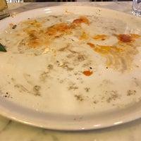 Photo prise au Sorbillo Pizzeria par Mitchell R. le2/17/2018