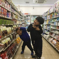 Photo taken at 7-Eleven by サクヤマ イ. on 4/26/2017
