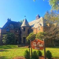 Photo taken at The Oaks Bed & Breakfast Hotel by Jen C. on 9/24/2017