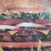 Foto tirada no(a) Burger King por Rafael Guilhon M. em 1/8/2013