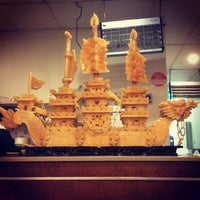 Photo taken at Golden Globe Seafood Restaurant by Emily B. on 8/8/2014