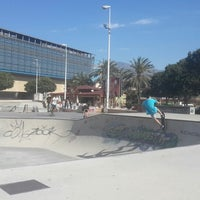 Photo taken at Skate Park Fuengirola by Juliska 🎳 on 4/12/2014