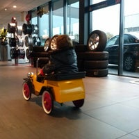 Photo taken at A.B.C. Auto Banden Centrum by Jos V. on 11/23/2012