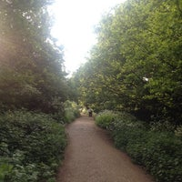 Das Foto wurde bei Parkland Walk (Finsbury Park to Crouch End Section) von Emma B. am 4/30/2014 aufgenommen