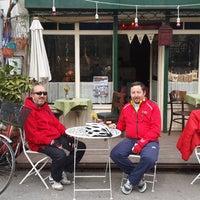 4/5/2015 tarihinde Hakan O.ziyaretçi tarafından Luz Café'de çekilen fotoğraf