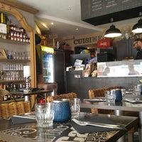 Photo taken at cafe bistrot oppidum by Nori S. on 7/9/2016