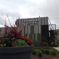 Foto scattata a Starbucks da Michael Walsh A. il 10/13/2015