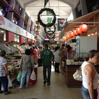 Photo taken at Mercado Municipal Shangri-lá by Pricilla C. on 12/24/2012
