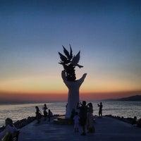 Foto tirada no(a) Kuşadası Sahili por CONDE em 7/21/2013