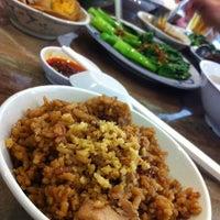 Photo taken at Restaurant Da Fei Zhu Chap by Ralphie L. on 9/17/2012