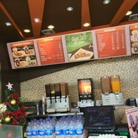 Photo taken at Dunkin' Donuts by Misoo__ on 1/2/2016