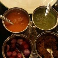 Foto tirada no(a) Sitara Indian Cuisine Restaurant por Misoo__ em 11/19/2015