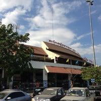 Photo taken at Bangkok Bus Terminal (Chatuchak) by 🙇อาณาจักร โ. on 12/30/2012