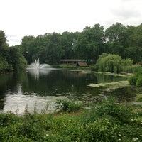 Photo prise au Whitehall Gardens par Paulo Marcello(Lelo) D. le6/23/2013