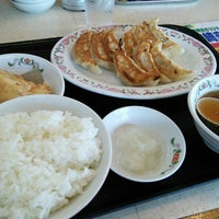 Photo taken at 餃子の王将 伊勢崎店 by reremon on 6/23/2015