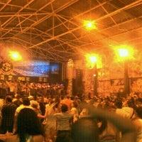 Foto tirada no(a) G.R.E.S. São Clemente por PAULA V. em 12/19/2012