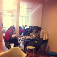 Photo prise au Urbanfish Coworking Space par Priscilla W. le9/19/2014