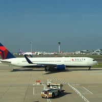 Photo taken at Gate 8 by Derek on 10/2/2015
