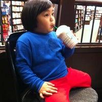 Foto scattata a Barnes & Noble Café da Dexter A. il 1/8/2013