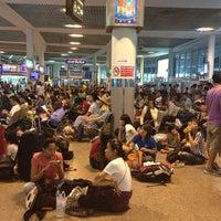 Photo taken at Bangkok Bus Terminal (Chatuchak) by itoBeTheerawaT on 5/4/2013