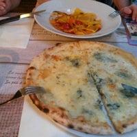 Foto scattata a Osteria Pizzeria Margherita da Tugrul T. il 9/8/2015