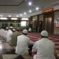 Photo taken at Masjid Babussalam by Dani S. on 10/1/2016