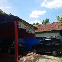 Photo taken at FRESHCO cuci mobil Gombong by Agung D. on 2/1/2014