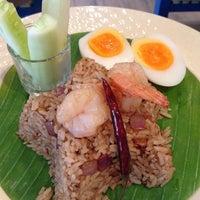 Photo taken at Sawasdee Bangkok by 👑 PaLaT 👑 on 5/29/2013