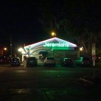 Photo prise au Jeremiah's par Kat M. le12/23/2012