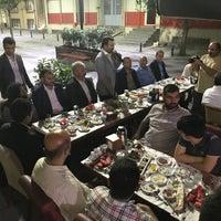 Foto tomada en ÇAKIR Menemen & Kahvaltı Salonu por Ahmet K. el 6/7/2018