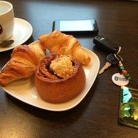 Снимок сделан в Кафе-пекарня «Briosh» пользователем Kary M. 9/23/2014