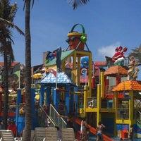 Foto tirada no(a) Beach Park por Amilcar C. em 11/30/2012
