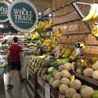 Foto tomada en Whole Foods Market por koichi s. el 6/29/2013