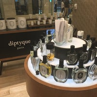 Photo taken at Diptyque Paris by Rose Lyn Y. on 12/5/2015