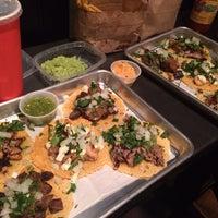Foto scattata a Otto's Tacos da Verena v. il 11/19/2013