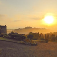 Photo taken at Agriturismo Guardastelle - Sovestro in Poggio Winery by Fausto M. on 10/31/2014