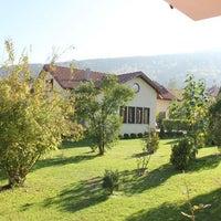 11/29/2013 tarihinde Villa Kırkpınar Apartsziyaretçi tarafından Villa Kırkpınar Aparts'de çekilen fotoğraf
