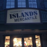 Photo taken at Islands Mercantile by Luis E. on 12/30/2016