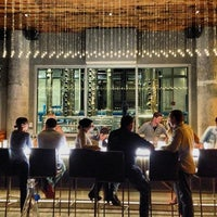 9/10/2013 tarihinde Matt W.ziyaretçi tarafından CH Distillery & Cocktail Bar'de çekilen fotoğraf