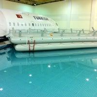 10/9/2012 tarihinde Ceren A.ziyaretçi tarafından Türk Hava Yolları Uçuş Eğitim Başkanlığı'de çekilen fotoğraf