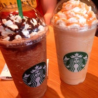 Photo taken at Starbucks by Leslie garrido on 3/14/2015